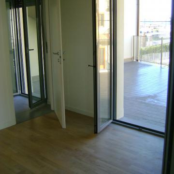 Appartamenti a Petosino: interno bilocale su terrazza