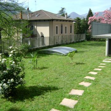 Appartamenti in via Roma a Zogno: giardino su via Roma