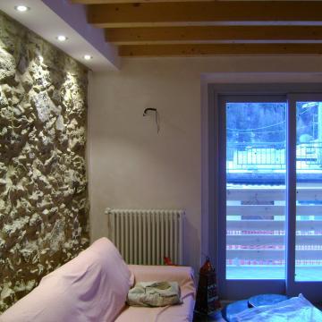 Progettazione e Realizzazione di Interni Ceroni Costruzioni: rustico in Roncobello
